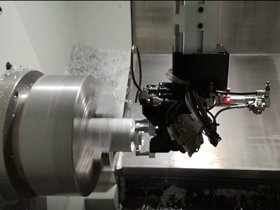 业界首创:数控车床接料机械手-机床上下料机械手-车床改装机械手-拿铁智能自主研发