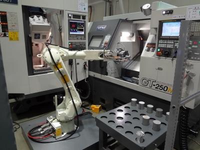 数控车床三联机上下料机器人-大容量料仓